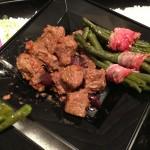 Bocconcini di vitella alle olive di Gaeta e fagioini al bacon